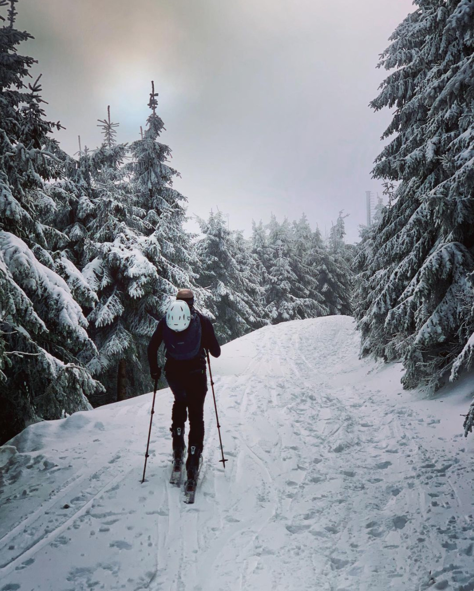 After two successful night alpine ski tours we decided to repeat this sports  event on a regular basis. every second friday ski touring fans will meet at  ... dc503c78c79